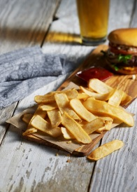 Weston Lambs food stylist Potato_Crisps_burger_beer_F